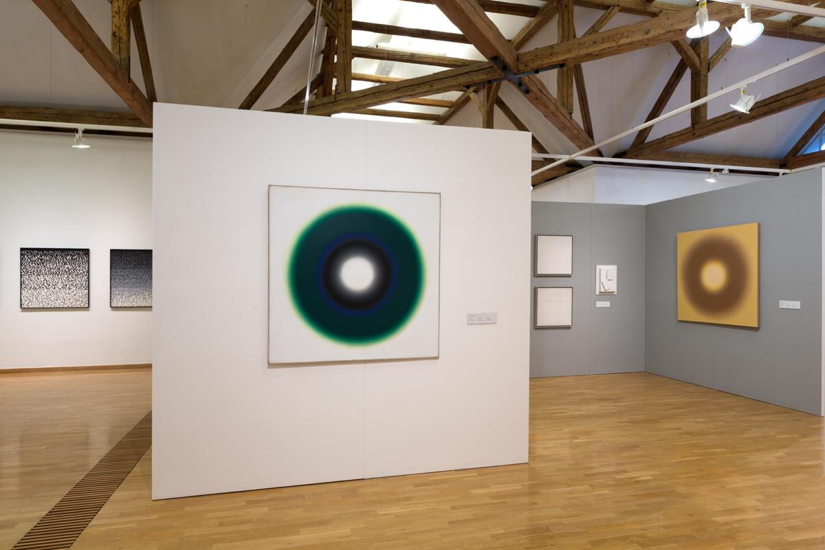 Straying Beyond the Frame – a Show of Polish Abstract Painting at the Museum of Modern Art in Olomouc