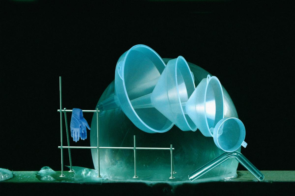 'Silver-white inhale / cobalt exhale' by Magdalena Lazar at Art Agenda Nova