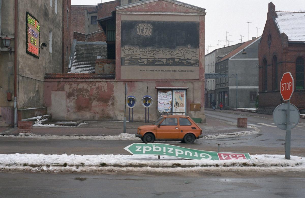 'Screen' by Emilia Kina and 'Hometown' by Krzysztof Zieliński at Raster Gallery