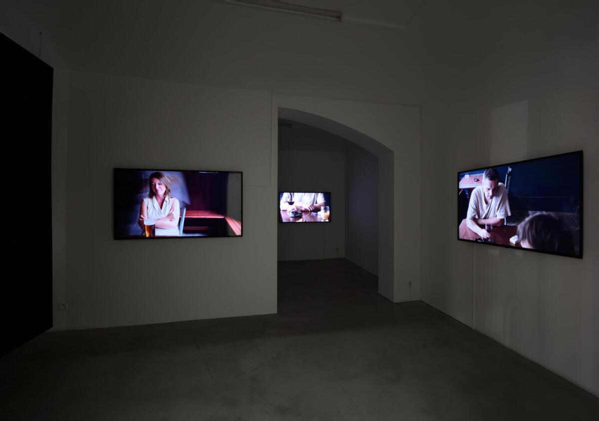 [EN/CZ] 'A Gap' by Ján Mančuška at Hunt Kastner Gallery