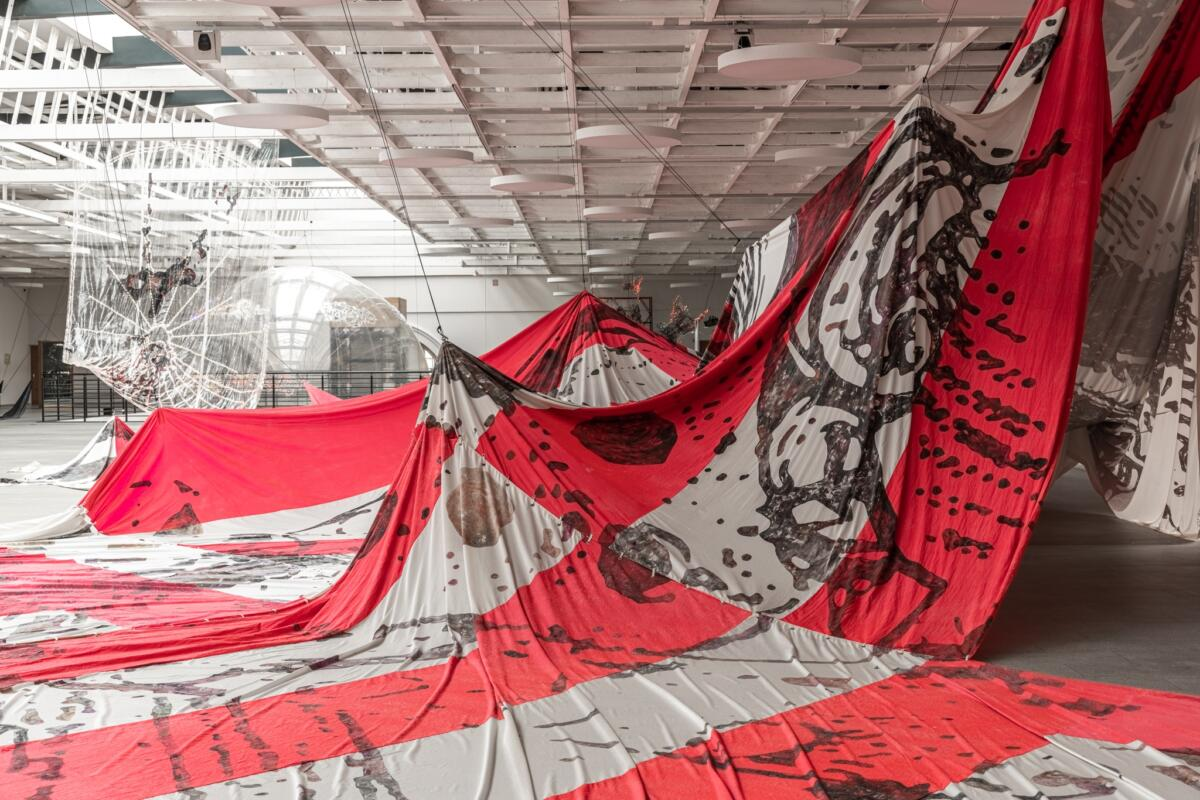 [EN/RU] 'Utopia Saved' by Lee Bul at The Manege Central Exhibition Hall
